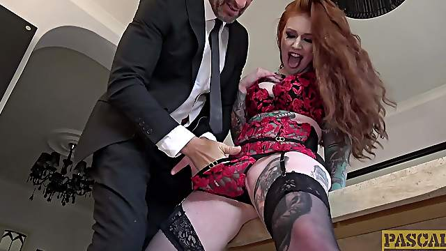 Redhead with long hair and sexy ass, nude mature BDSM on cam