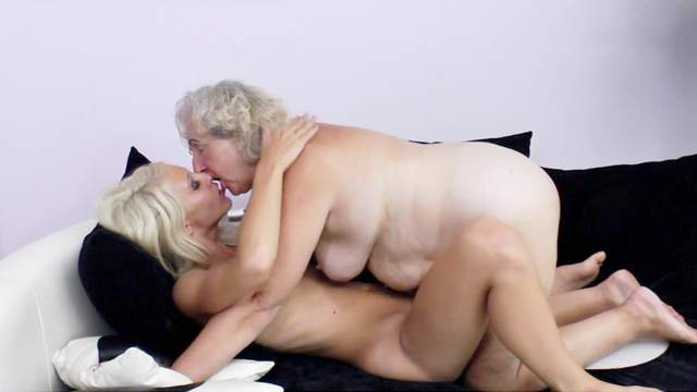 Old women share the lust for porn in lesbian XXX