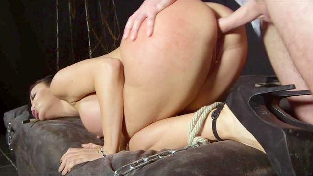 Anal makes wife lose control in maledom threesome