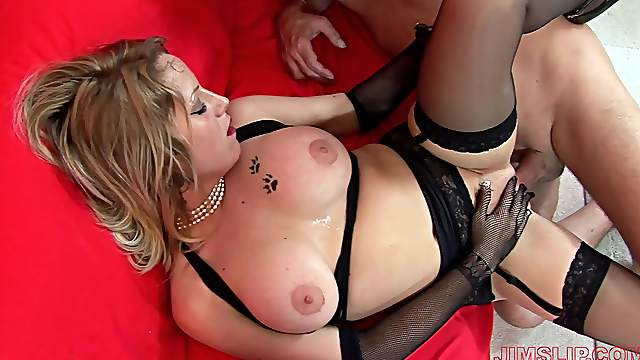 Fine mature lands endless inches through her wet holes