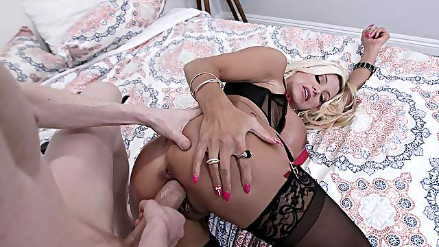 Busty blonde woman tries endless cock for a few XXX spins