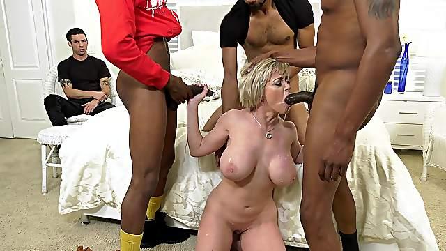 Mature feels black men fucking her tiny holes in full home cuckold