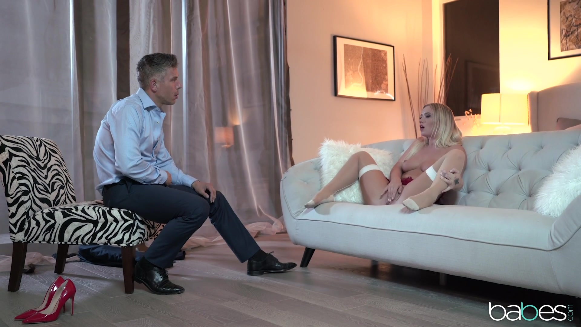 High-class lingerie fuck featuring foxy blonde Bailey Brooke