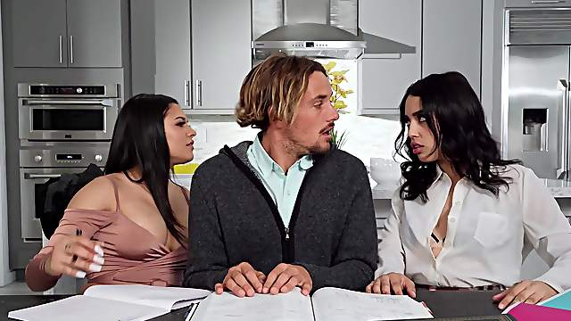 Thick ass babes share the white hammer in a restless threesome