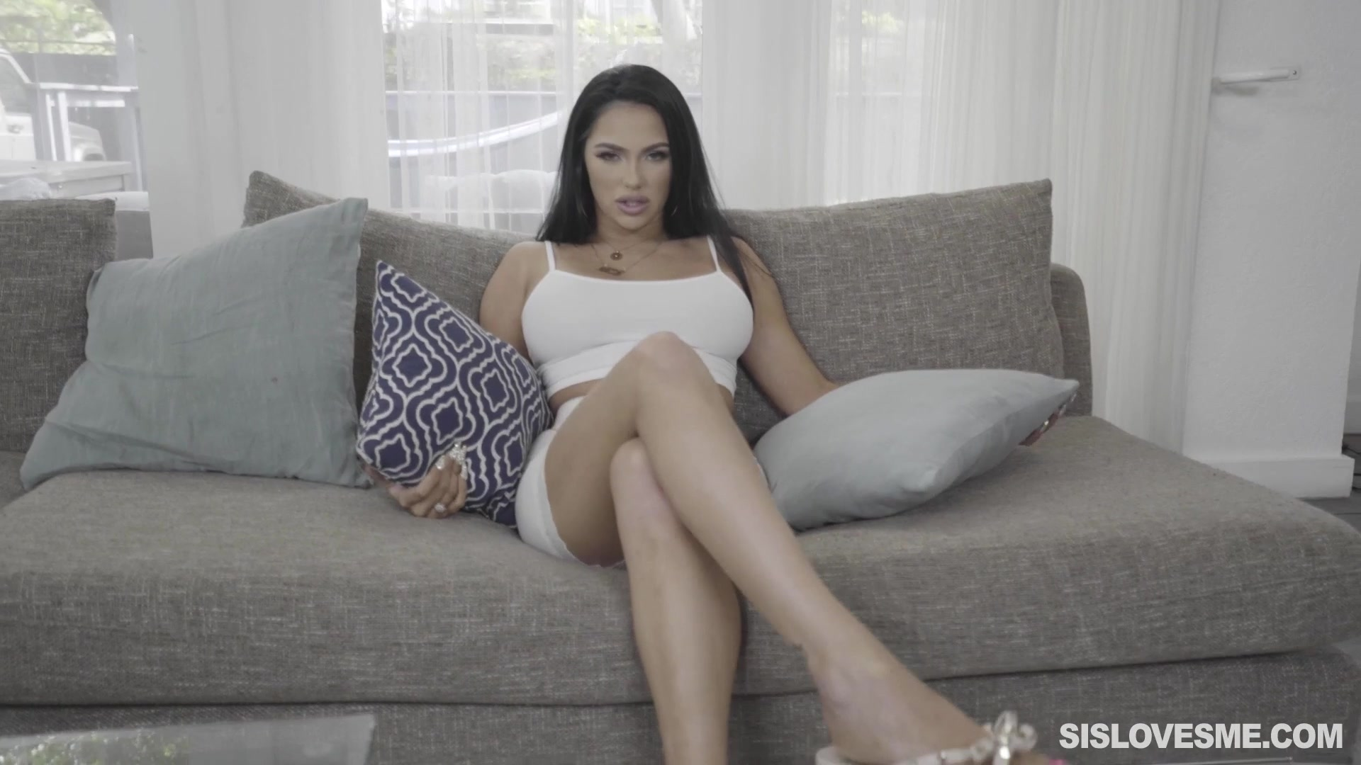 Excellent POV screwing with luscious Latina babe MJ Fresh