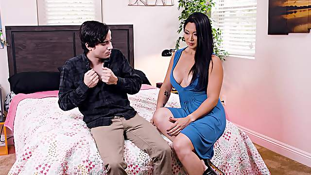 Young buck shocked by busty Asian Nyomi Star's willingness